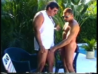 Muscled daddy bears enjoying sleazy outdoor cock eating encounter | bears best   cocks   daddy   eating   enjoying   muscular