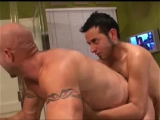 Young Man Fucks Older Muscle Guy In Bathtube | fucking   man movie   muscular   older   oral   young man